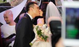 Toàn cảnh đám cưới Khắc Việt tại Hà Nội: Chú rể 'khóa môi' cô dâu ngọt ngào