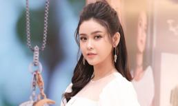 Trương Quỳnh Anh khoe nhan sắc tinh khôi với đầm và trang sức trăm triệu