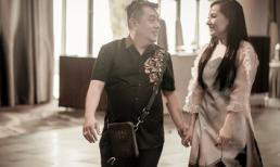 Bắt gặp Tuấn Hà Lan và Phi Nhung tình tứ trên phố Sài Gòn