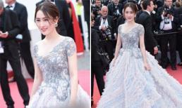 Thêm một sao nữ bị chỉ trích vì quá chịu khó tạo dáng trên thảm đỏ Cannes, 'đuổi cũng không chịu đi'