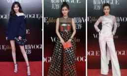 Thảm đỏ Vogue Film 2018: Sở hữu lợi thế đôi chân thon, Dương Mịch khoe 'hết cỡ' sắc vóc nuột nà bên cạnh Angelababy