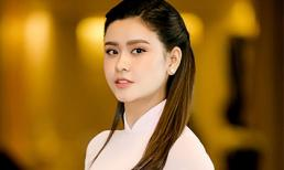 Chán gợi cảm, Trương Quỳnh Anh bất ngờ dịu dàng với áo dài 'kín cổng cao tường'