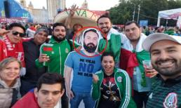 Anh chồng bị vợ cấm đến Nga xem World Cup, hội bạn thân nghĩ ra cách trêu chọc siêu lầy