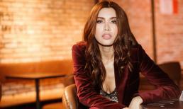 Minh Tú sang chảnh với menswear màu rượu, phủ nhận thi Miss Supranational 2018