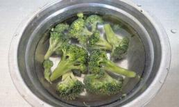 Súp lơ rửa bằng nước là không sạch - thủ thuật gạt bỏ hết bùn đất trong loại thực phẩm này