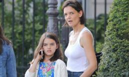 Katie Holmes đưa con gái Suri đi du lịch sau tin đồn chia tay bạn trai da màu