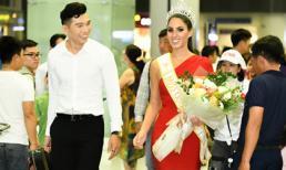 Hoa hậu Quốc tế 2017 Barbara Vitorelli được đón bằng xế sang khi đến Hà Nội