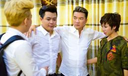 Bận trăm công nghìn việc nhưng Đàm Vĩnh Hưng vẫn chăm lo từng chút cho thí sinh Tuyệt đỉnh song ca