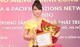 Diễn viên - MC Thanh Mai được vinh danh Sen Vàng Đất Việt 2018