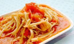 Sau khi ăn, bạn sẽ mê luôn món cà chua xào nấm kim châm