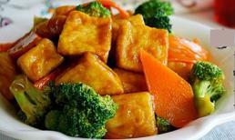 Đậu phụ sốt súp lơ, cà rốt: Món ngon không ngấy cho bữa cơm chiều
