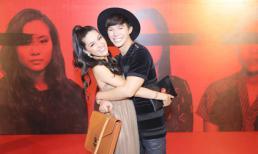 Nathan Lee ôm chặt siêu mẫu quốc tế -  Hoa hậu Isabelle Du sau 6 năm xa cách