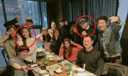"""Mới hội ngộ ở Trung Quốc, Park Min Young và Park Seo Joon lại tụ họp với ê-kíp """"Thư ký Kim sao thế?"""""""