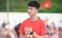 Sao U23 Việt Nam dạo mạng xã hội xin vé xem chung kết AFF Cup 2018