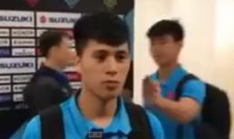 Clip: Duy Mạnh khiến Đình Trọng bối rối khi đang trả lời phỏng vấn