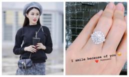 Lê Hà khoe nhẫn kim cương khủng, thử đồ cưới chuẩn bị cho hôn lễ với bạn trai