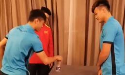 Phan Văn Đức, Duy Mạnh trổ tài chinh phục trò chơi lạ ở ĐTVN