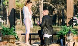 Hoa hậu hoàn vũ 2017 được cầu thủ bóng bầu dục Mỹ cầu hôn, trở thành 'vợ người ta' ngay khi vừa hết nhiệm kỳ