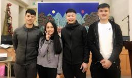 Con gái Phương Thanh hớn hở gặp tuyển thủ quốc gia Đình Trọng ở Hàn Quốc