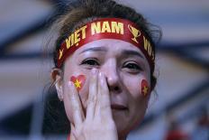 Hot girl Việt rơi lệ sau thất bại của thầy trò HLV Park Hang Seo