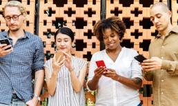 3 mẹo nhỏ chuyên gia tiết lộ nên áp dụng để đỡ hại mắt do nhìn điện thoại suốt ngày