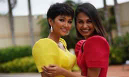 H'Hen Niê rực rỡ sắc vàng, hội ngộ cùng Á hậu 4 Miss Universe 2010