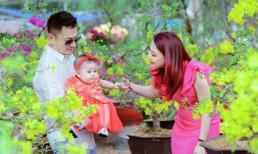 Thanh Thảo cùng chồng, con gái dạo chợ hoa xuân Việt Nam vào dịp Tết