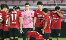 Đặng Văn Lâm mắc sai lầm tại hại trong ngày ra mắt Muangthong United