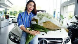 Trà Ngọc Hằng tậu xế hộp tiền tỉ đến từ thương hiệu Mercedes-Benz