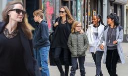 Lấy lại cân bằng sau 'cuộc chiến' ly hôn, Angelina Jolie tăng cân thấy rõ xuất hiện tươi tắn bên các con