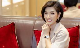 """Nguyễn Hồng Nhung mặc nguyên """"cây"""" Dior, tâm sự ngày trở về: 'Tôi thân cô thế cô, thường xuyên khóc vì cô đơn'"""
