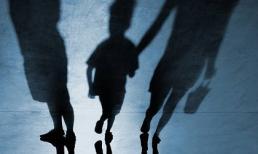Cha mẹ không thể luôn đồng hành cùng con, hãy dạy chúng 3 việc để đối mặt với tình huống 'nguy hiểm' khi gặp người lạ