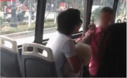 Mang chó lên xe buýt bị nhân viên nhắc nhở, nam thanh niên lên giọng: 'Phạt 10 triệu, tao chịu 20 triệu cho mày'