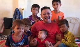 Từng ở tù vì tội dâm ô, Minh Béo vẫn hào hứng đăng ảnh chụp với nhiều em nhỏ