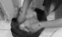 Vụ phát hiện thi thể em bé trong thùng rác nhà vệ sinh ở Đồng Nai: Bị mẹ siết cổ đến chết
