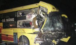 Xe khách đâm vào đuôi rơ – moóc, 1 người chết và nhiều người bị thương