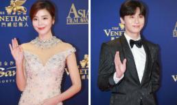 """Ác nữ """"Giày thủ tinh"""" Kim Gyu Ri, """"Phó chủ tịch"""" Park Seo Joon tỏa sáng trên thảm đỏ Asian Film Awards"""