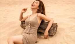Hương Tràm ghi dấu thanh xuân với loạt ảnh nóng bỏng trên bãi biển