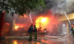 Clip hiện trường vụ cháy kinh hoàng tại khu tổ hợp khách sạn, quán bar, karaoke Avatar