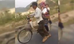 Hạnh phúc giản dị của gia đình đi xe đạp 'gây sốt' cộng đồng mạng