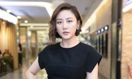 Văn Mai Hương khoe vóc dáng thon gọn, nhan sắc thanh thú đi xem phim