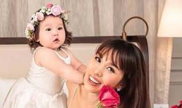 Con mới 9 tháng tuổi, siêu mẫu Hà Anh đã dặn dò những điều khiến nhiều người phải suy ngẫm