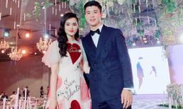 Duy Mạnh và Quỳnh Anh đăng ảnh xúng xính đi ăn cưới, cư dân mạng cứ ngỡ cô dâu chú rể