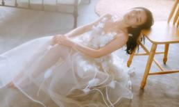 Phương Oanh - Lan Phương 'đọ' nhan sắc trong loạt ảnh mơ màng, nữ tính