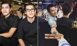 Ngồi cách xa nhau ở sự kiện nhưng Thiên Minh và Quang Đại vẫn 'cực tình'