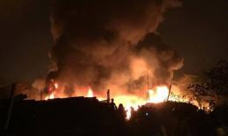 Clip vụ cháy kinh hoàng khiến 8 người chết và mất tích tại Hà Nội