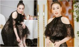 'Quỳnh búp bê' Phương Oanh diện váy ren gợi cảm, lần đầu làm vedette show thời trang