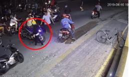 Trộm xe Exciter tông trúng 2 cô gái, thanh niên bất ngờ bỏ của chạy lấy người