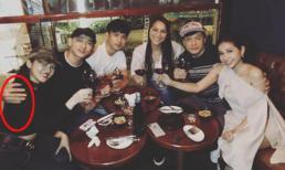 Cùng nhau chụp ảnh khi đi ăn uống, Hồ Quang Hiếu bị trêu ôm vai Bảo Anh dù Isaac ngồi ở giữa