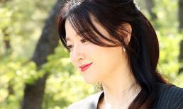 Nàng 'Dae Jang Geum' Lee Young Ae tiếp tục gây ngỡ ngàng với nhan sắc siêu thực ở độ tuổi U50